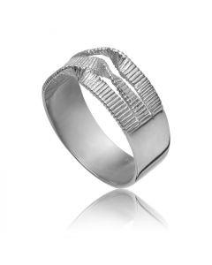 Bykjaergaard - Edgy bred rillet ring sølv -  edrs0914